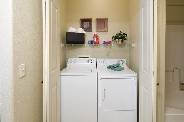 Apartments Near Phoenix with Full Size Washer and Dryer