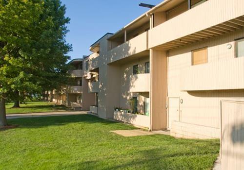 Pepper Tree Apartments Community Thumbnail 1