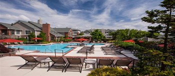 1526 Lincoln Circle 1-2 Beds Apartment for Rent Photo Gallery 1