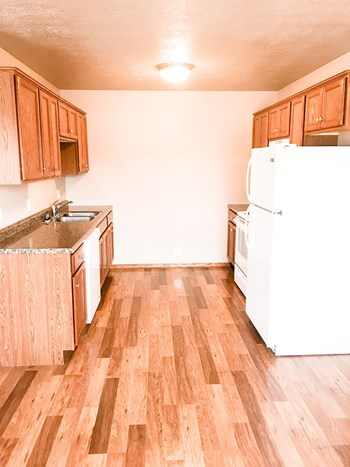 320 W 10th Street 2 Beds Apartment for Rent Photo Gallery 1
