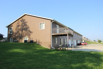 330 W 10Th Street 2-3 Beds Apartment for Rent Photo Gallery 1