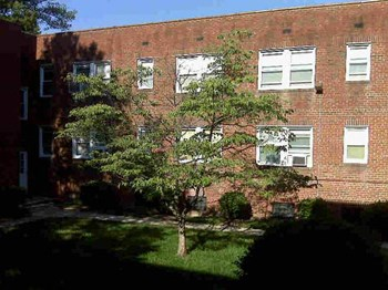 4830-4832 Chevy Chase Drive 1-2 Beds Apartment for Rent Photo Gallery 1