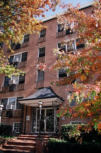 939 26th Street NW Studio-1 Bed Apartment for Rent Photo Gallery 1
