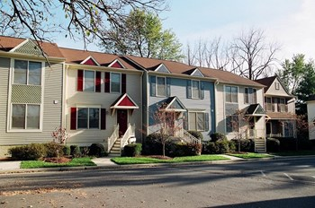 2953-2975 Preston Heights Court 3-4 Beds Apartment for Rent Photo Gallery 1