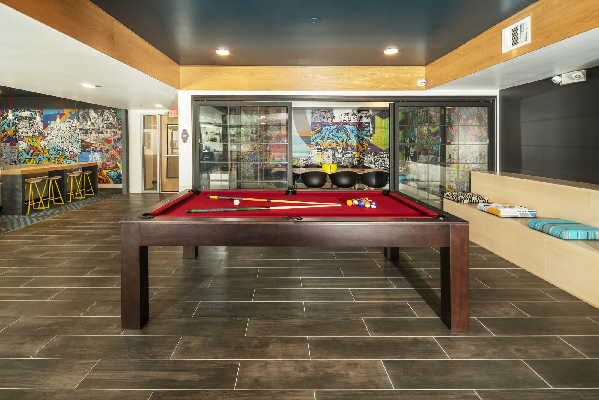 Clubroom Lounge with Billiards