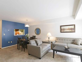 370 Greentree Drive 2-3 Beds Apartment for Rent Photo Gallery 1