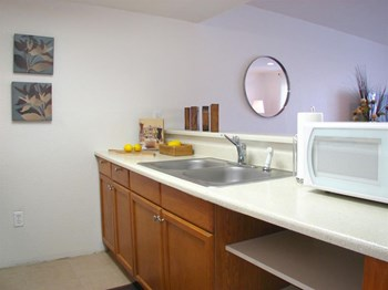 4102 W Osborn Studio-2 Beds Apartment for Rent Photo Gallery 1