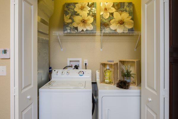 The Boulevard Apartments - Largo, FL - Full Size Washer & Dryer