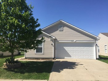 8060 States Bend Dr 3 Beds House for Rent Photo Gallery 1