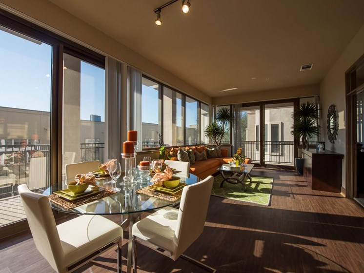 balcony apartments in upper kirby