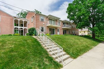 285 N. Sandusky St. 1 Bed Apartment for Rent Photo Gallery 1