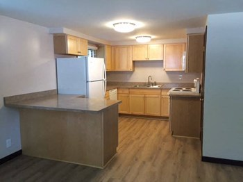 E. Lincoln Ave. 2 Beds Apartment for Rent Photo Gallery 1