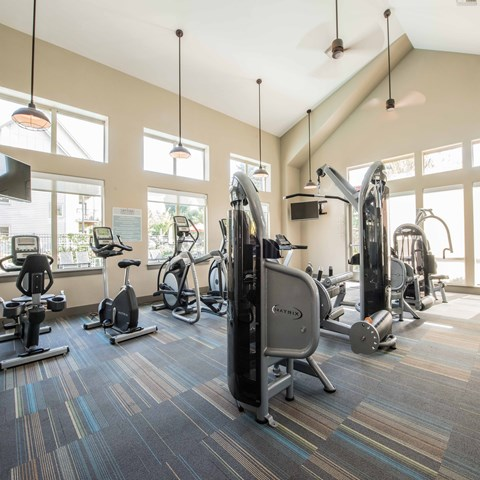 Fitness Center with Gym Equipment Happy Valley, OR Apts for rent Latitude