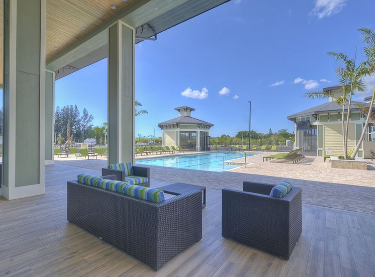 Charleston on 66th Apartments Outdoor Lounge Area |Largo, FL