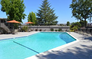 3800 Vineyard Ave. 1-2 Beds Apartment for Rent Photo Gallery 1
