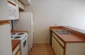 1710 W. PARK WOOD LANE, #177 1 Bed House for Rent Photo Gallery 1