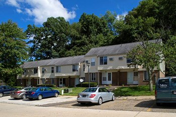 1928 Mohawk Place 3 Beds Apartment for Rent Photo Gallery 1