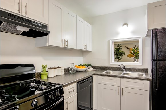 Crystal Lakes Apartments 3501 Meadowdale Blvd Richmond Va Rentcafé