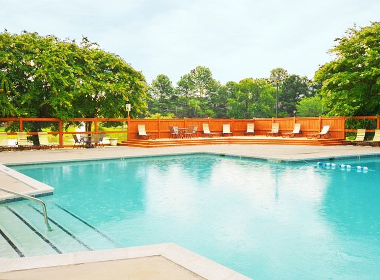 Apartments for Rent in Richmond, VA - Crystal Lakes Pool