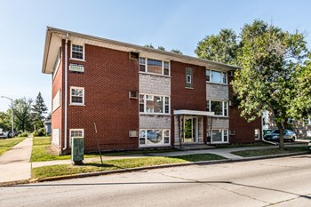 101 Memorial Drive 1-2 Beds Apartment for Rent Photo Gallery 1