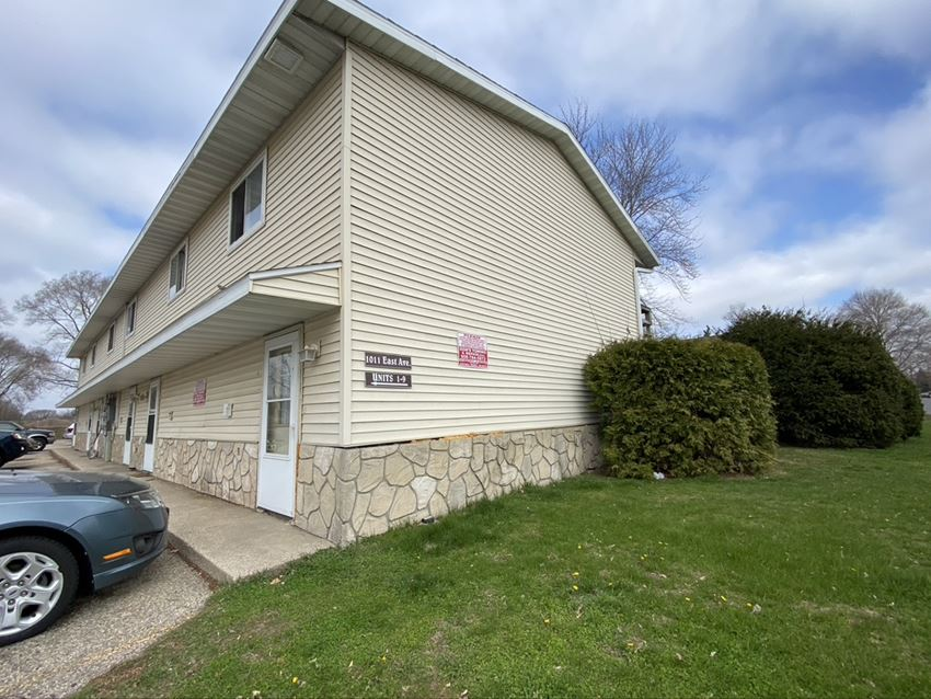 1011 East Ave | 2 BR | Townhome | Onalaska | Three Sixty Real Estate