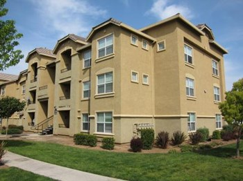 10070 Willard Parkway 2-4 Beds Apartment for Rent Photo Gallery 1
