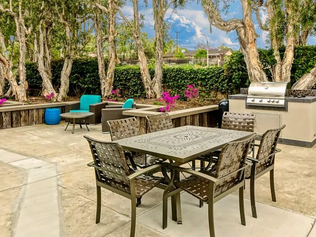 Apartments in El Cajon near San Diego, CA l Colonnade at Fletcher Hills Apartment Homes