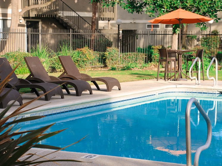 Oak Park | Turlock| Apartments | Pool