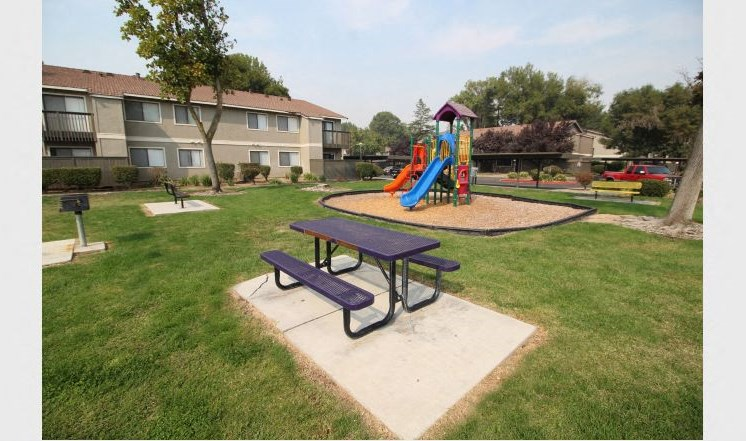 Oak Park | Turlock| BBQ and Playground