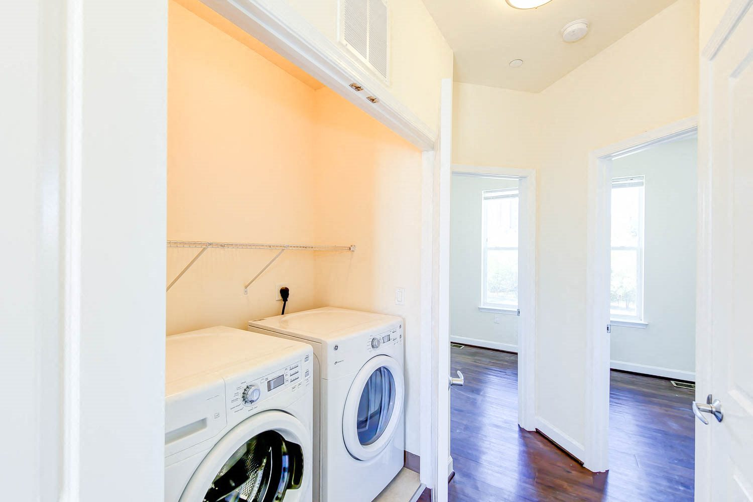 Sheridan-Station-Apartments-In-Unit-Laundry