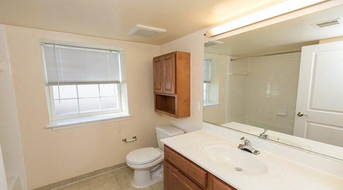 Park-Vista-Apartments-Bathroom