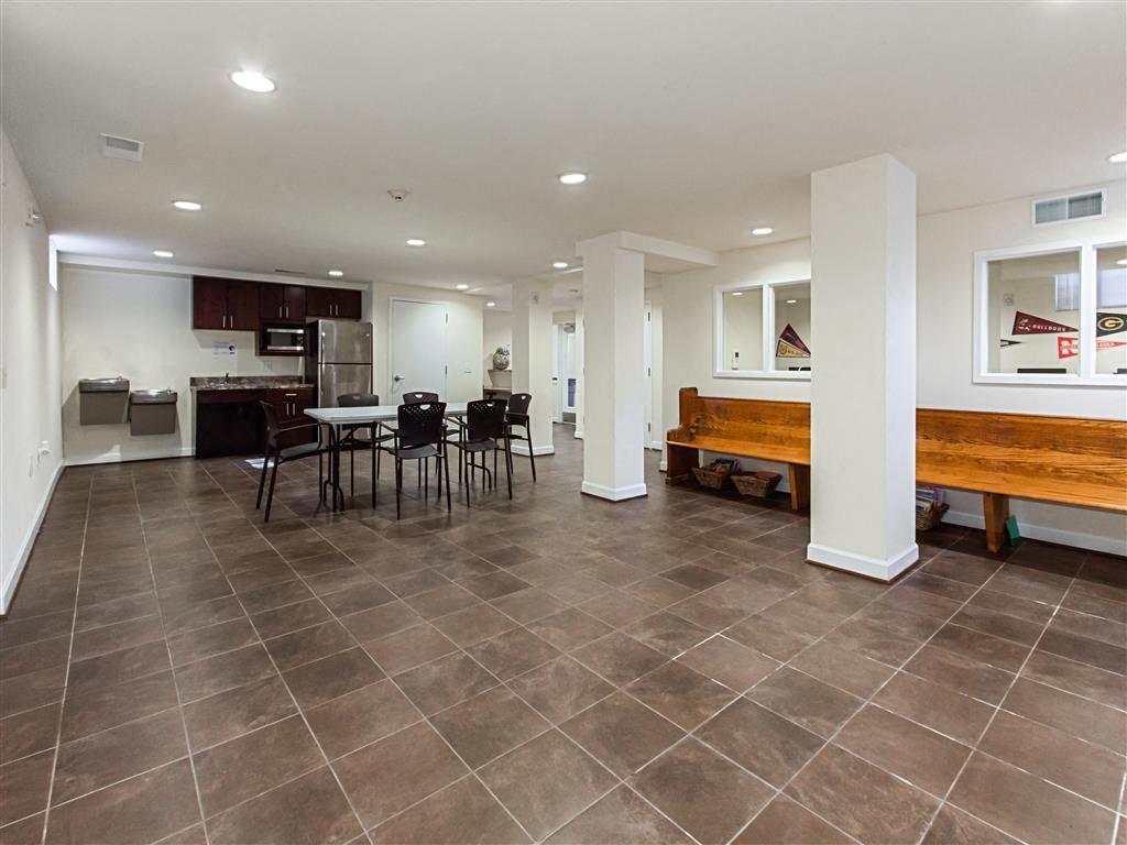 Fairway-Park-Apartments-Community-Room