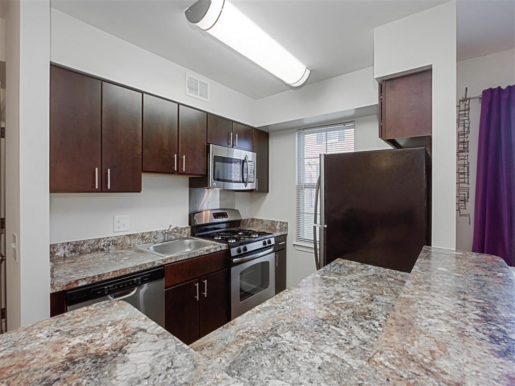 Fairway-Park-Apartments-Kitchen
