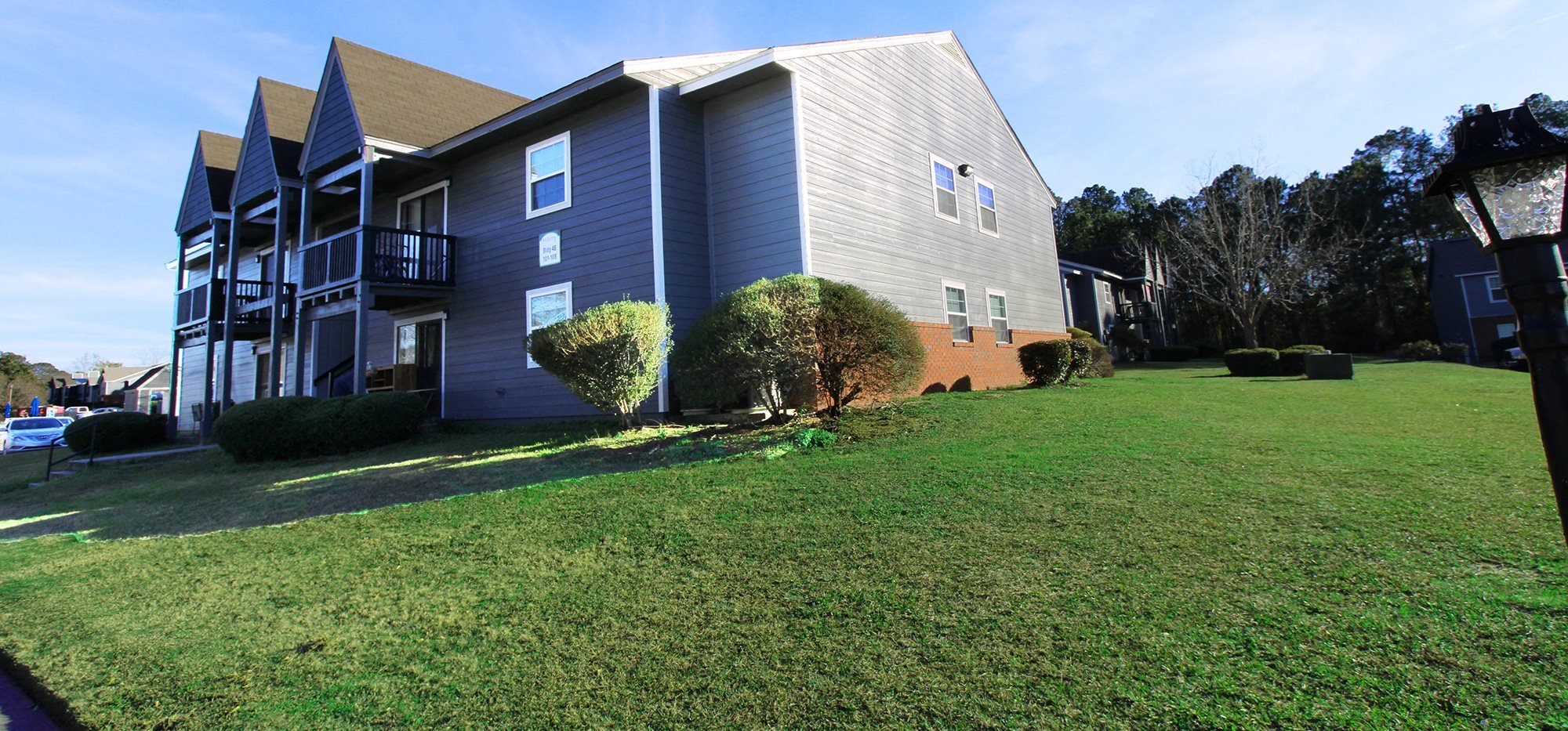 Fieldcrest Apoartments in Dothan Alabama image of exterior apartment building