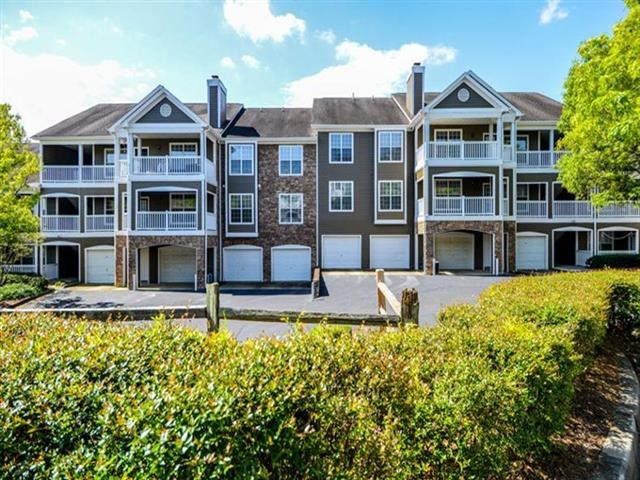 External Apartment View at Thornblade Park, Greer