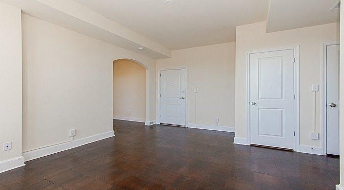 Juniper-Courts-Apartments-Living-Room
