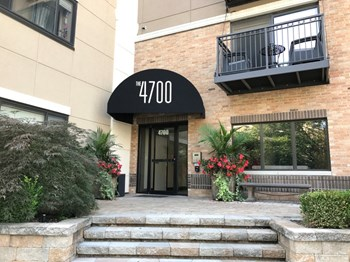4700 Roanoke Pkwy Studio-2 Beds Apartment for Rent Photo Gallery 1