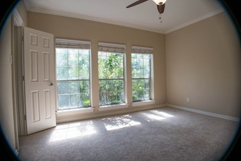 4554 Glenwick 1 Bed Apartment for Rent Photo Gallery 1