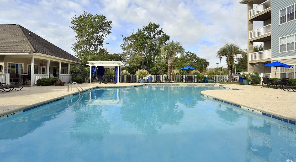 Refreshing Swimming Pool and Spacious Sundeck - Cherry Grove Commons