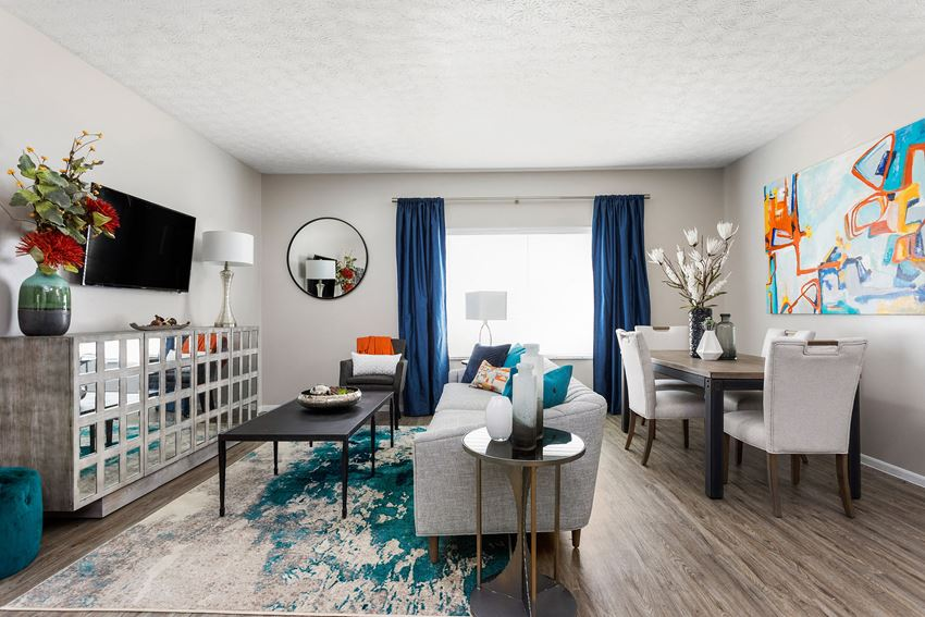 Spacious Living Area - The Commons at Canal Winchester