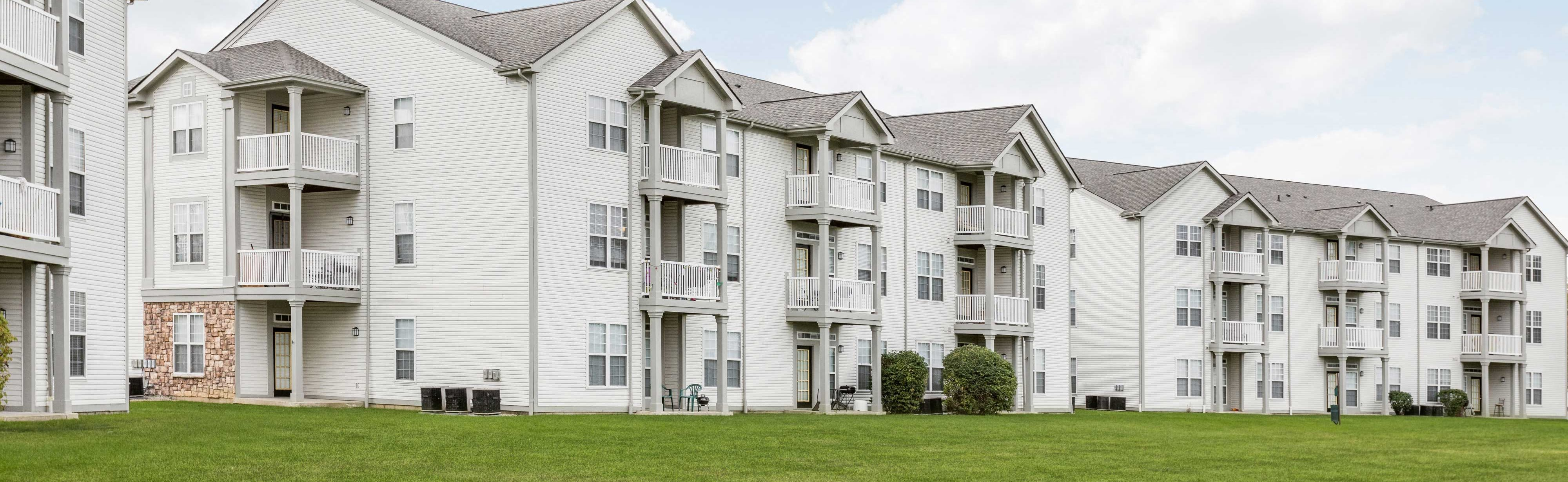 Exterior View of Riverchase Apartment Homes