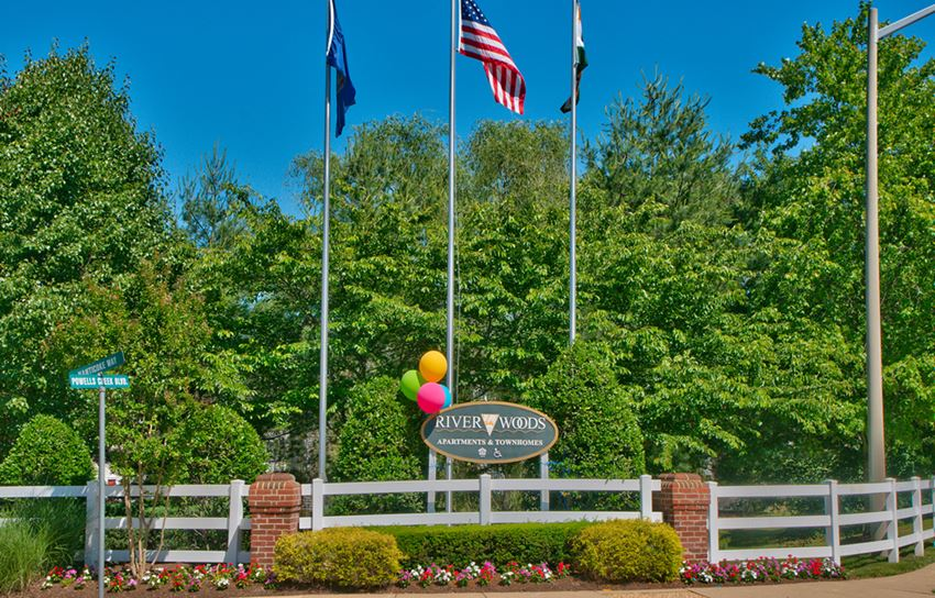 Riverwoods Apartments and Townhomes Entrance