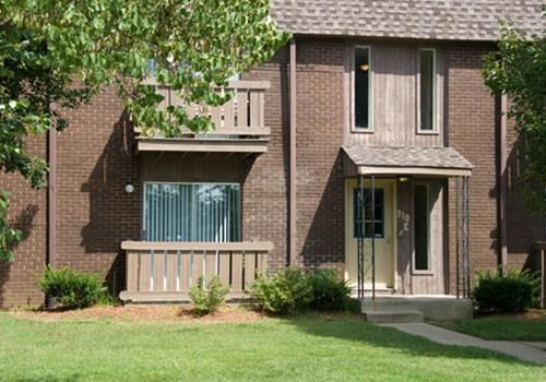 Page Crossing Apartments Community Thumbnail 1
