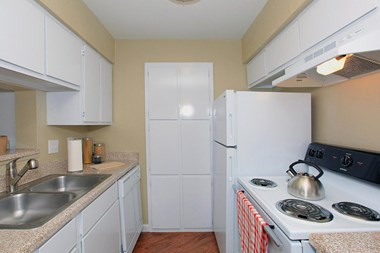 15330 Ella Blvd 1-2 Beds Apartment for Rent Photo Gallery 1