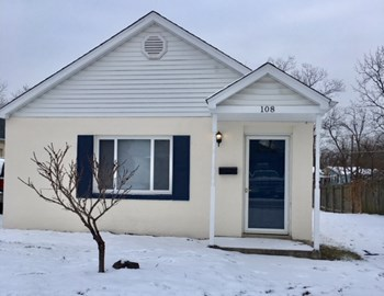 108 Florence Ave 2 Beds House for Rent Photo Gallery 1