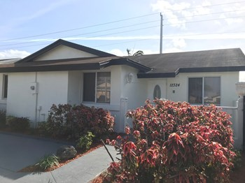 12324 SW 198 Street 3 Beds House for Rent Photo Gallery 1