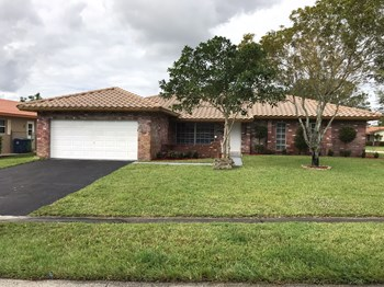 3740 NW 113th Avenue 3 Beds House for Rent Photo Gallery 1