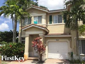 5661 NW 112 Court 3 Beds House for Rent Photo Gallery 1