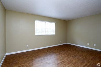 901 Chalk Level Rd 3 Beds Apartment for Rent Photo Gallery 1