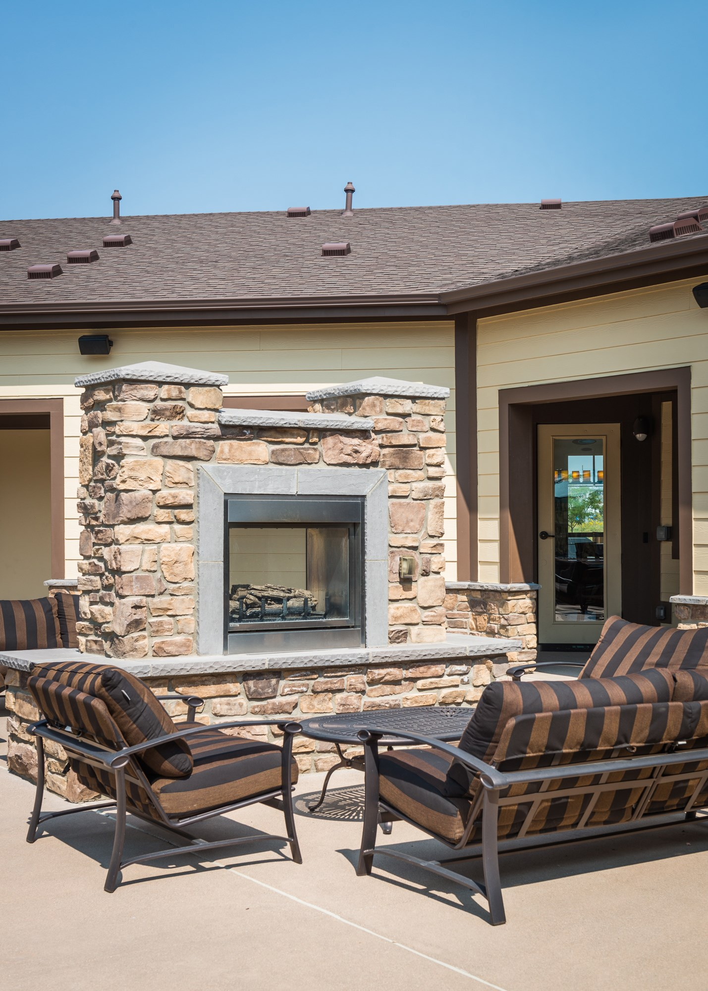 Outdoor Lounge at Estate at Woodmen Ridge Apartments in Colorado Springs, CO